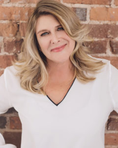Head shot of Nancy Karas